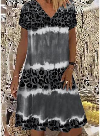 Leopard Short Sleeves Shift Knee Length Casual Dresses