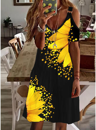 Sunflower Print Short Sleeves Shift Knee Length Casual/Vacation Dresses