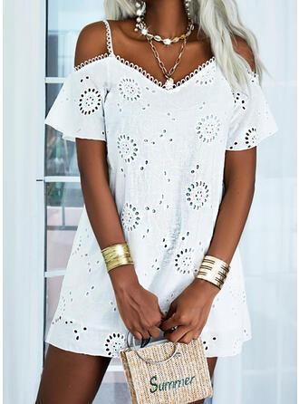 Solid Short Sleeves Cold Shoulder Sleeve Shift Above Knee Casual/Elegant Dresses